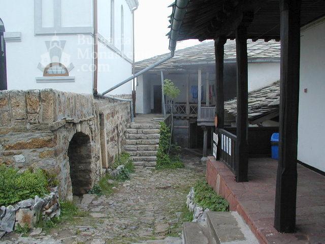 Glozhene Monastery (Picture 10 of 33)