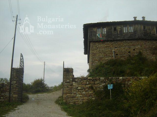 Glozhene Monastery (Picture 21 of 33)
