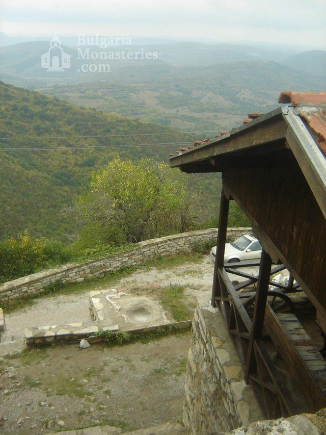 Glozhene Monastery (Picture 24 of 33)