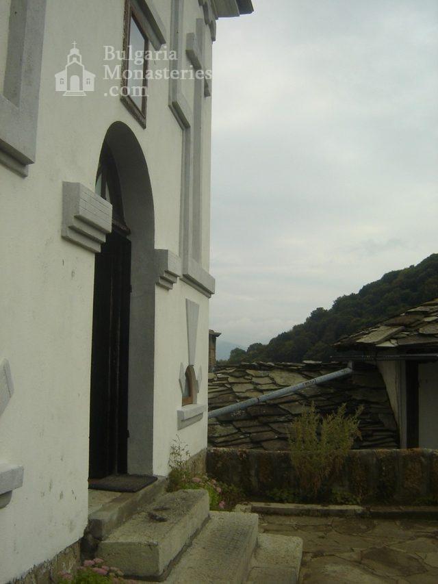 Glozhene Monastery (Picture 25 of 33)