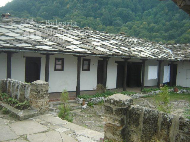 Glozhene Monastery (Picture 26 of 33)