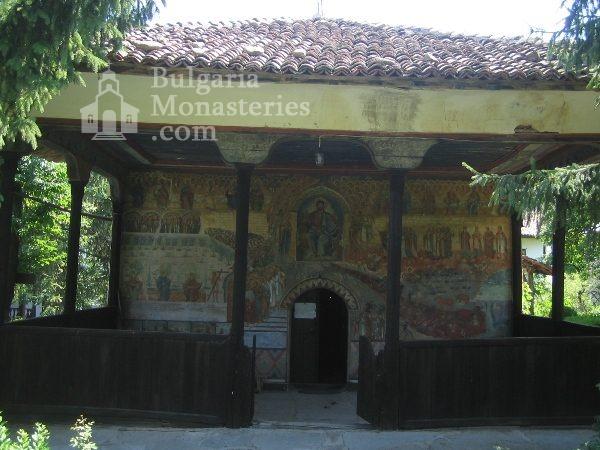 Kapinovo Monastery - The church