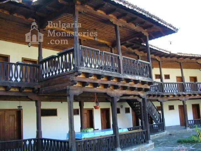 Kilifarevo Monastery - Residential buildings (Picture 16 of 23)