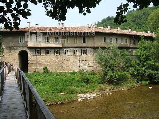 Kilifarevo Monastery - The complex outside (Picture 6 of 23)