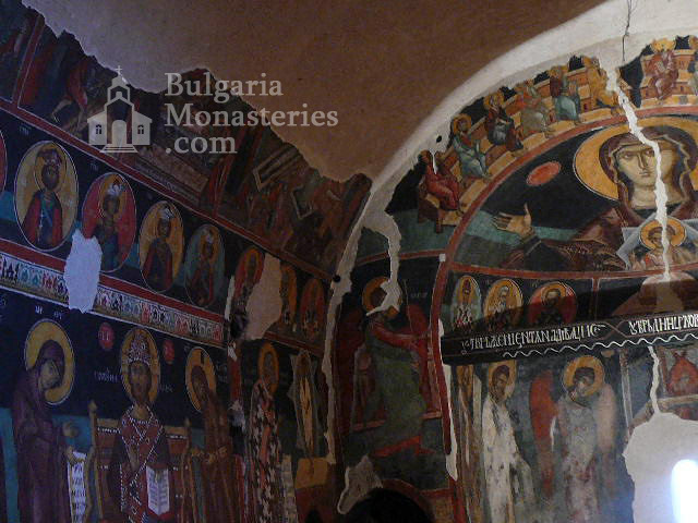 Kremikovtsi Monastery (Picture 2 of 29)