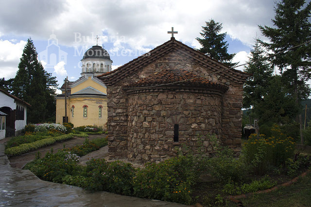 Kremikovtsi Monastery (Picture 6 of 29)