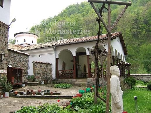 Osenovlashki Monastery (Picture 11 of 27)