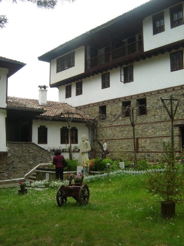 Osenovlashki Monastery (Picture 19 of 27)