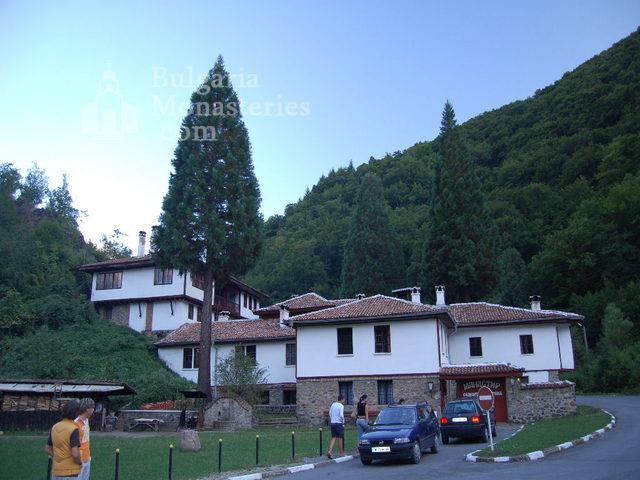 Osenovlashki Monastery (Picture 23 of 27)