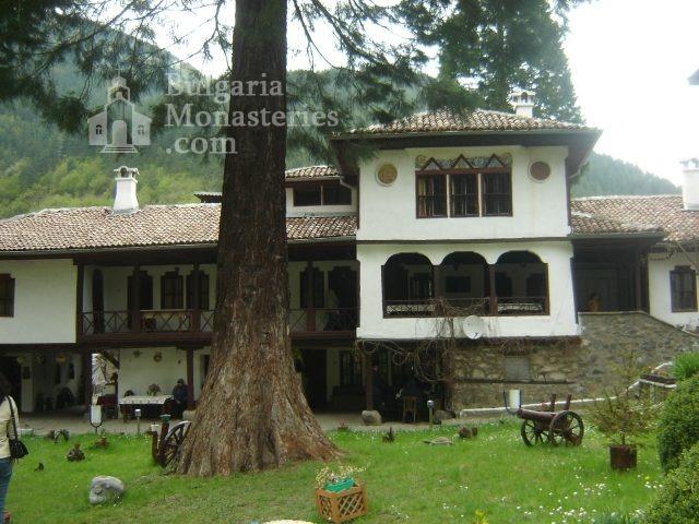 Osenovlashki Monastery (Picture 24 of 27)