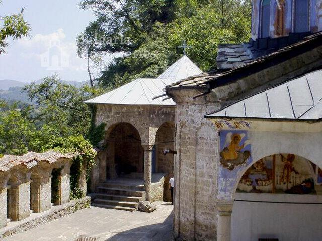 Sokolski Monastery (Picture 1 of 40)